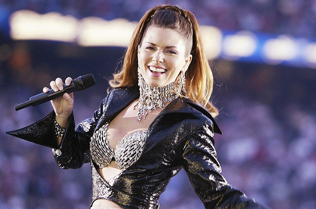 celeb plasticsurgery hania twain performs during halftime of super bowl xxxvii billboard 650 compressed 20201203 Shania Twain before and after plastic surgery November 5, 2020